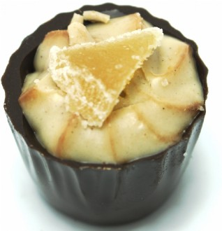 Loose Praline: Macadamia Ginger 72% DARK loose - Award winning